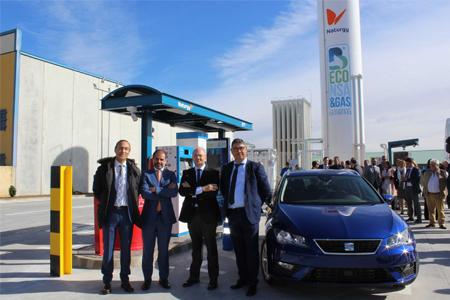 Naturgy y Beconsa inauguran la primera estación de carga de gas natural para vehículos de Salamanca