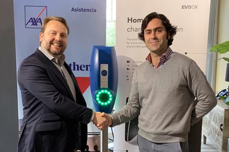 AXA Partners Iberia firma una alianza con EVBox a nivel Iberia para impulsar la movilidad eléctrica