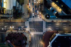 """La """"Smart City"""" en tres niveles. Un recorrido por las fases para alcanzar un modelo de ciudad inteligente"""