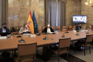 Ribera presenta un plan de 1.670 millones para inversiones en autoconsumo, baterías, climatización renovable y rehabilitación energética